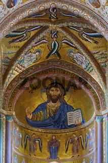 Christus Pantokrator in der Apsis der Kathedrale von Cefalu, Sizilien, Italy