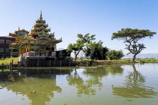 Pagode auf dem Inle See, Myanmar, Asien