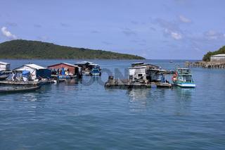 Schwimmende Häuser vor der Insel Phu Quoc island, Vietnam, Asien,Südostasien
