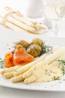 asparagus with potato and salmon