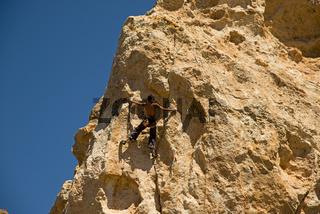 Kletterer bei den Piedras Amarillas, Teide Nationalpark, Teneriffa, Kanarische Inseln, Spanien, Europa