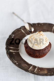 Cup Cake mit Schokolade und Frosting.
