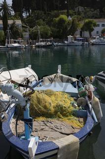 Fischerboot auf Korfu, Griechenland