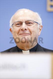 Archbishop Zollitsch at press conference in Berlin - Bundespressekonferenz.