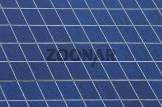 Ausschnitt von vielen Panels mit Solarzellen