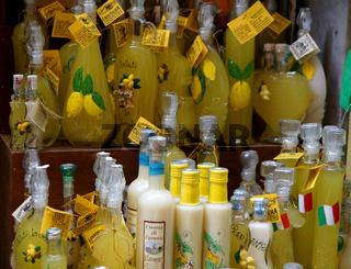 sorrentinischer limoncello,italien