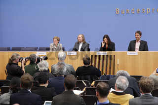 Green Press Conference- Haus der Bundespressekonferenz -  in Berlin.