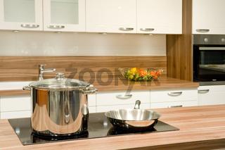 Topf und Bratpfanne in einer KüchePot and pan in the kitchen