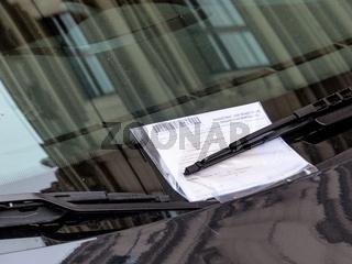 Strafzettel am Auto