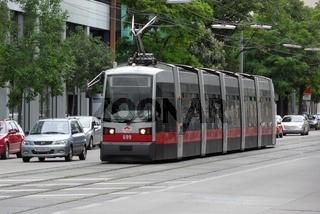 Wien, Straßenbahn, ULF, Linie 2, Österreich