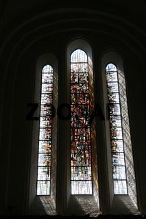 modernes Kirchenfenster im Lübecker Dom