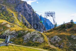 Blick ins Bavonatal und Seilbahn Robiei, Tessin in der Schweiz - view in the Bavona Valley and Cable car, Ticino in Switzerland, Europe