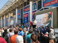 Egyptian citizens waiting for their turn to receive the Covid-19 coronavirus vaccine