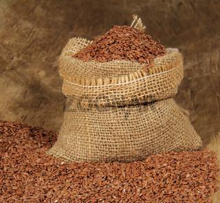 Leinsamen im Jutesack (Flax seed in jute bag)