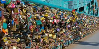 Liebesschlösser an der Dombrücke (Breslau)