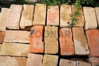 Handschlagziegel, Bricks
