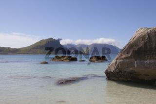 Strand bei Haukland, Lofoten, Nordnorwegen