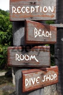 Wegbeschreibungen in einem Hotel auf der Insel Ko Tao im Golf von Thailand im Suedwesten von Thailand in Suedostasien.
