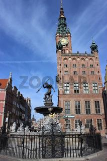 Danzig.Langer Markt  mit  Rathaus und Neptunbrunne, Gdansk