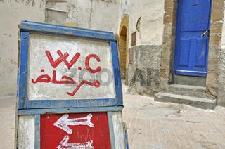 Hinweisschild, Öffentliches WC, Essaouira, Marokko, Afrika