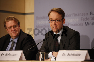 New monitoring of German banks and financial system.