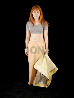 how to dress sari 1