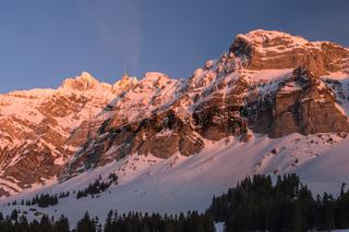 Alpsteinmassiv mit Säntis im Abendlicht, Winterlandschaft, Kanton Appenzell Ausserrhoden, Schweiz