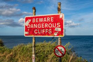 Sign: Beware dangerous cliffs