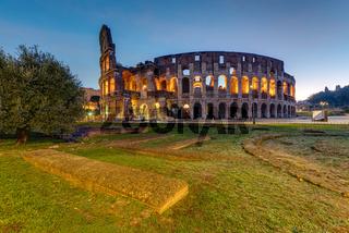 Das beleuchtete Kolosseum in Rom