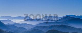 Blaue Berge im Apennin