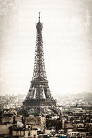 Halftone illustration of the Eiffel Tower in Paris