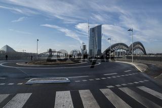 Europäische Zentralbank mit Honsellbrücke