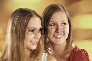 Zwei junge Frauen