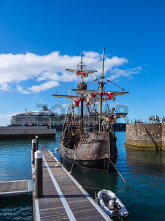 Hafen in der Stadt Funchal auf der Insel Madeira, Portugal