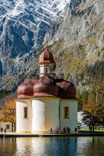 Das berühmte St. Bartholomae-Kloster am Königsseee, NP Berchtesgarden, Derutschland