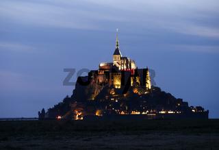 Le Mont-Saint-Michel am Abend