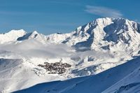 Val Thorens ski resort in the distance