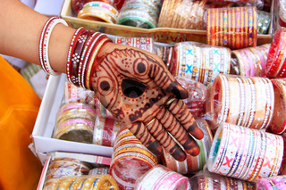 Close up of hand with henna painting, Sadar Market, Jodhpur, India