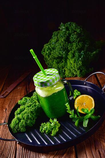 Tasty Spring No Fruit Kale Smoothie