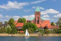 Dominsel Ratzeburg mit Ratzeburger Dom in Schleswig-Holstein