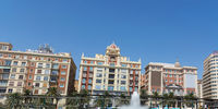Super Panoramablick auf der Plaza De La Marina (Marina Square) in der Altstadt.