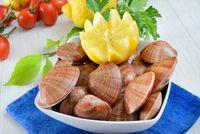 raw sea fruits called fasolari