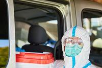 Transport und Lieferung von Organspende durch Personal