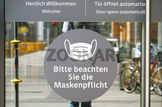 Entry to shopping center in Germany with face mask only