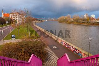 Abendstimmung an der Elbe in Magdeburg