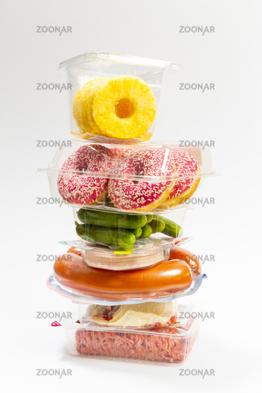 Tower of plastic packaging