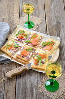 Tarte flambée with salmon