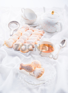fresh baked madeleines cookies