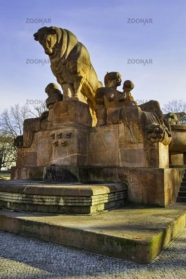 Stierbrunnen, Arnswalder Platz, Berlin, Germany
