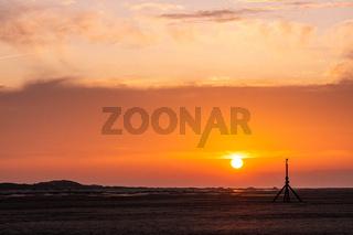 Oranger Sonnenuntergang am Meer